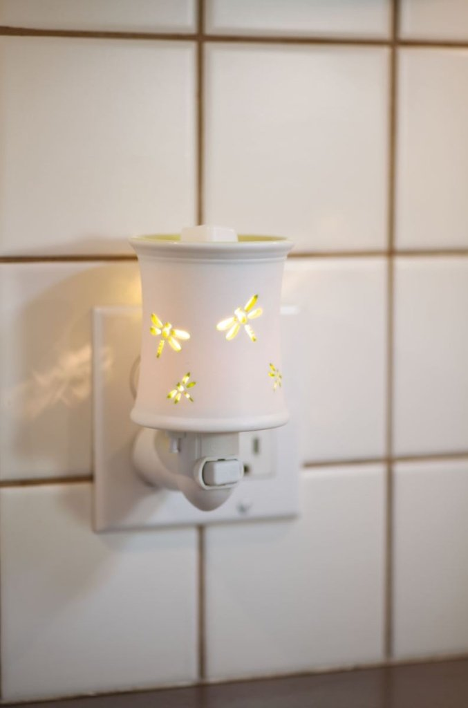 DAMSEL NIGHTLIGHT SCENTSY WARMER