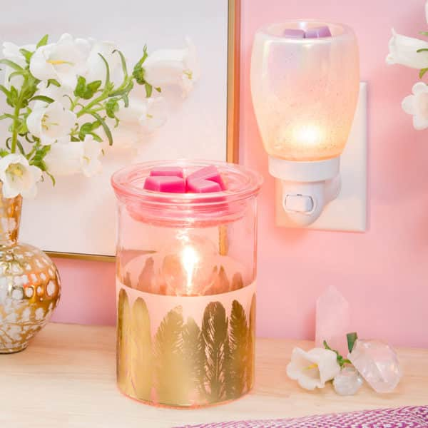 FABULOUSE FEATHERS SCENTSY WARMER WITH PERFECT PEARL MINI WARMER | NEW! Fabulous Feathers Scentsy Warmer | Shop Scentsy | Incandescent.Scentsy.us