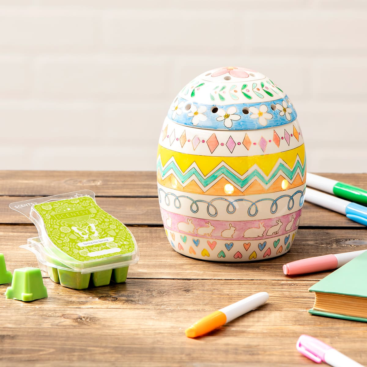 SCENTSY EGGSPRESS YOURSELF WARMER MARCH 2020