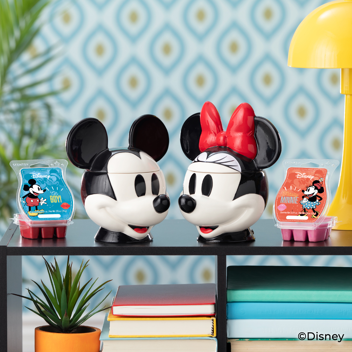 NEW MICKEY MOUSE SCENTSY WARMER HEAD MINNIE