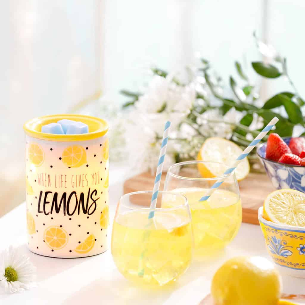 SCENTSY WHEN LIFE GIVES YOU LEMONS WARMER FOR ALEX'S LEMONADE STAND