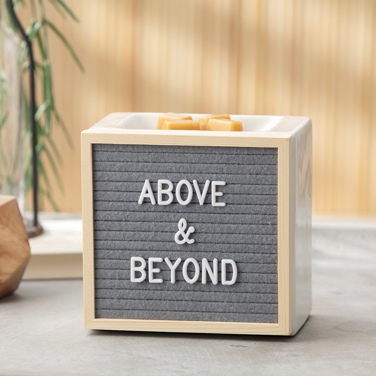 Scentsy Letterboard Warmer | Letterboard Scentsy Warmer | Incandescent.Scentsy.us