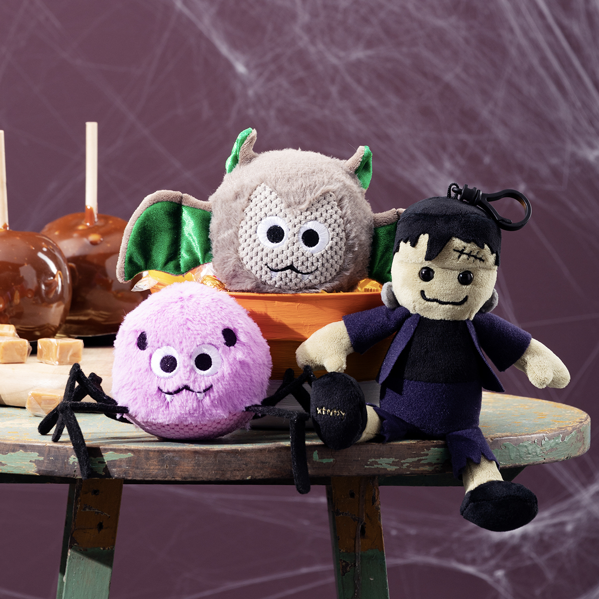 Scentsy harvest 2021 Collection Bitty Buddies and Clips | Bat Scentsy Bitty Buddy + Caramel Apple Craze | Incandescent.Scentsy.us